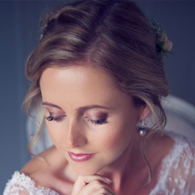 loose bridal up do